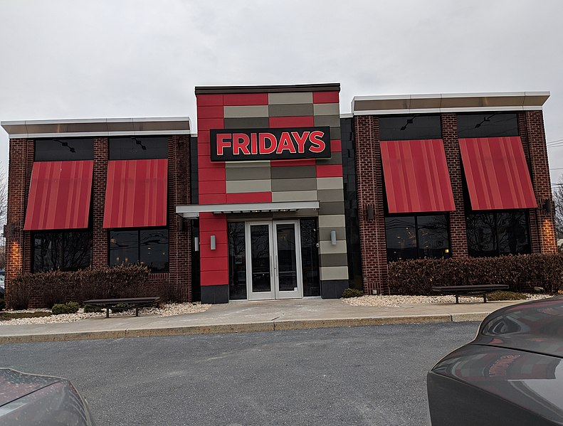 Front of a TGI Fridays in Easton, PA